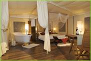 Lodge-Suite am Lago d'Iseo: Luxus mit Himmelbett und Badewanne FOTO: Selectcamp