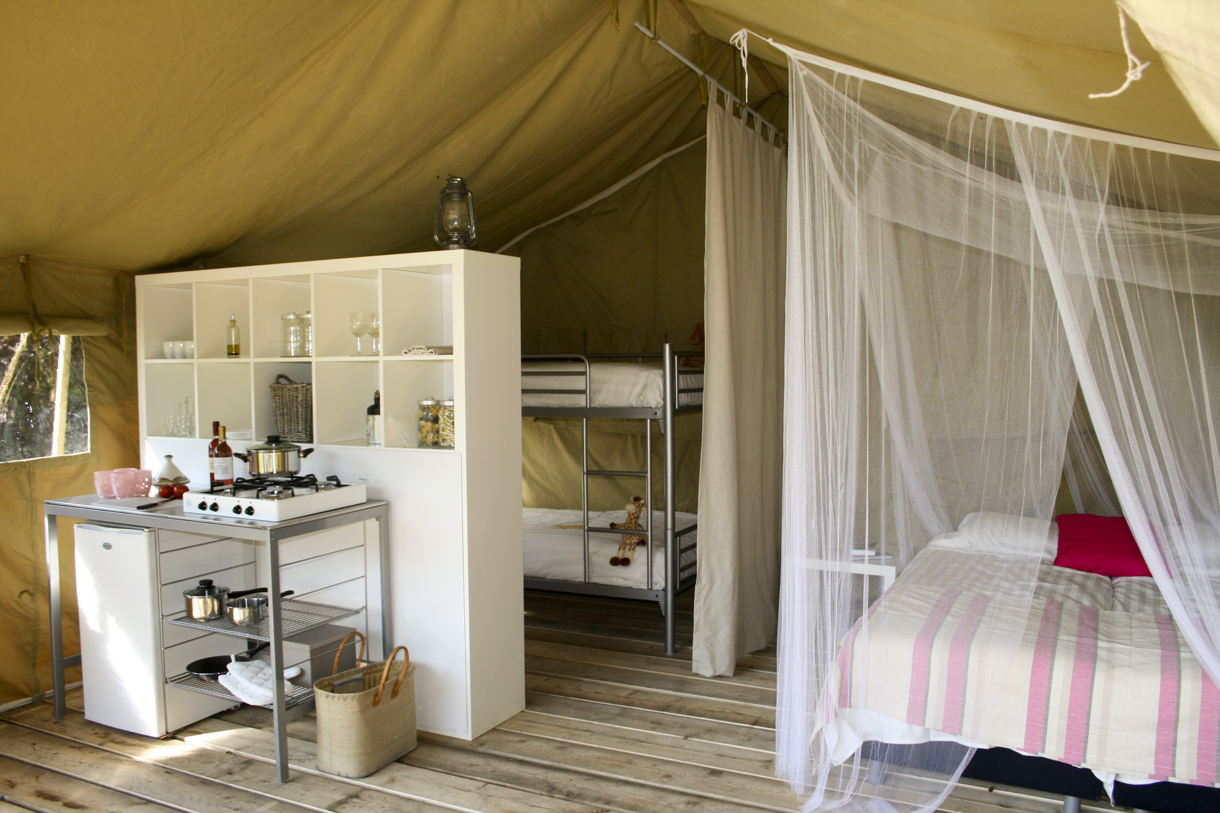 Himmelbett selbst gemacht  Natur pur: Glamping am Blanksee | glampinginfo
