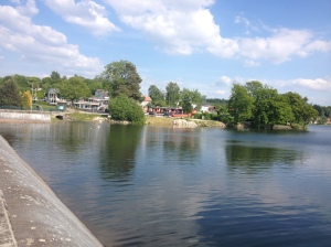 Mit Seeblick: Camping am Lac de Bouzey FOTO: NIEMEYER